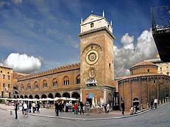 Rotonda di San Lorenzo in Piazza delle Erbe